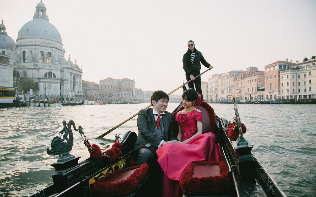 Romantic Honeymoon on a Venetian Gondola