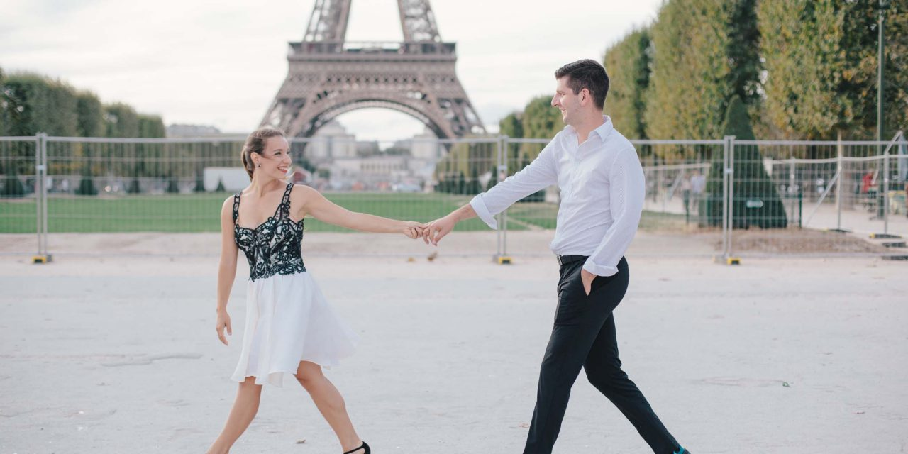 The Honeymooners' Guide to Paris