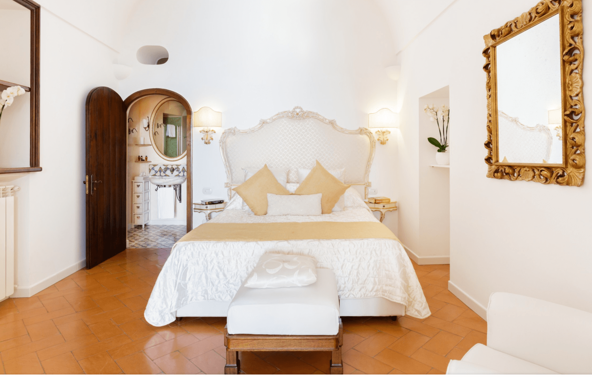 an image of an airbnb bedroom in Positano, Italy