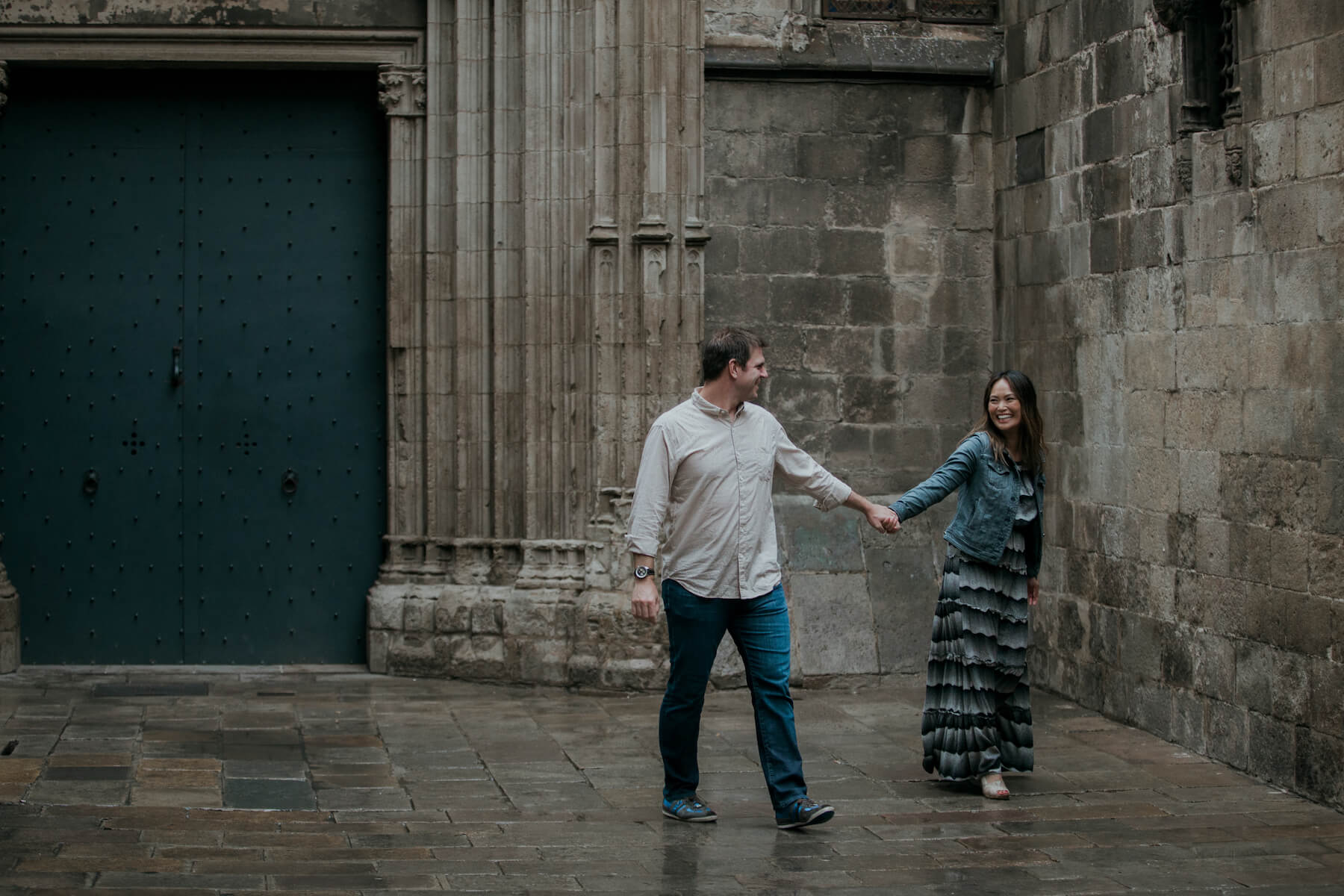 Couple trip in Gothic Quarter, Barcelona, Spain