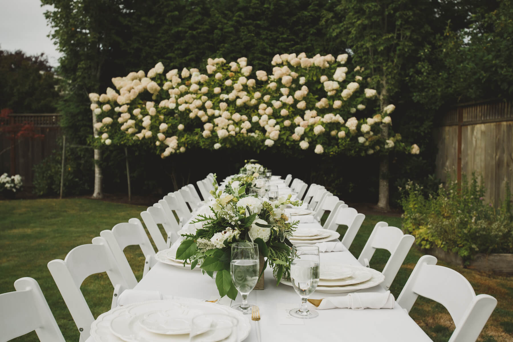 garden party table set up