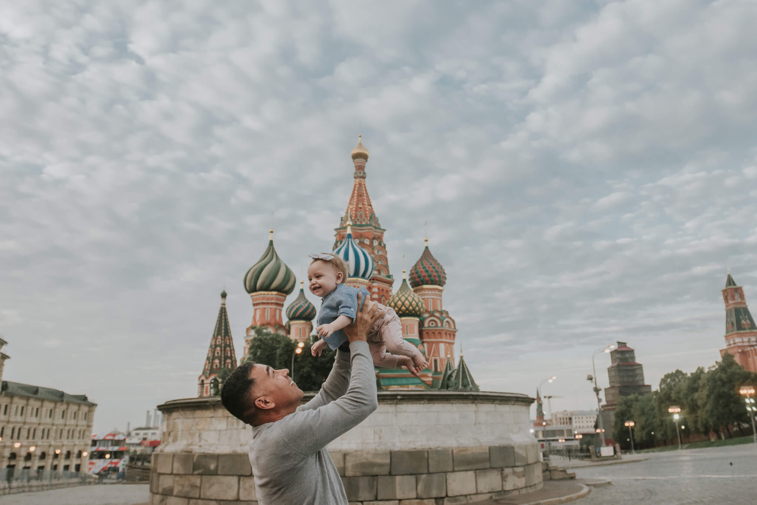 Family vacation photo shoot in Moscow Russia