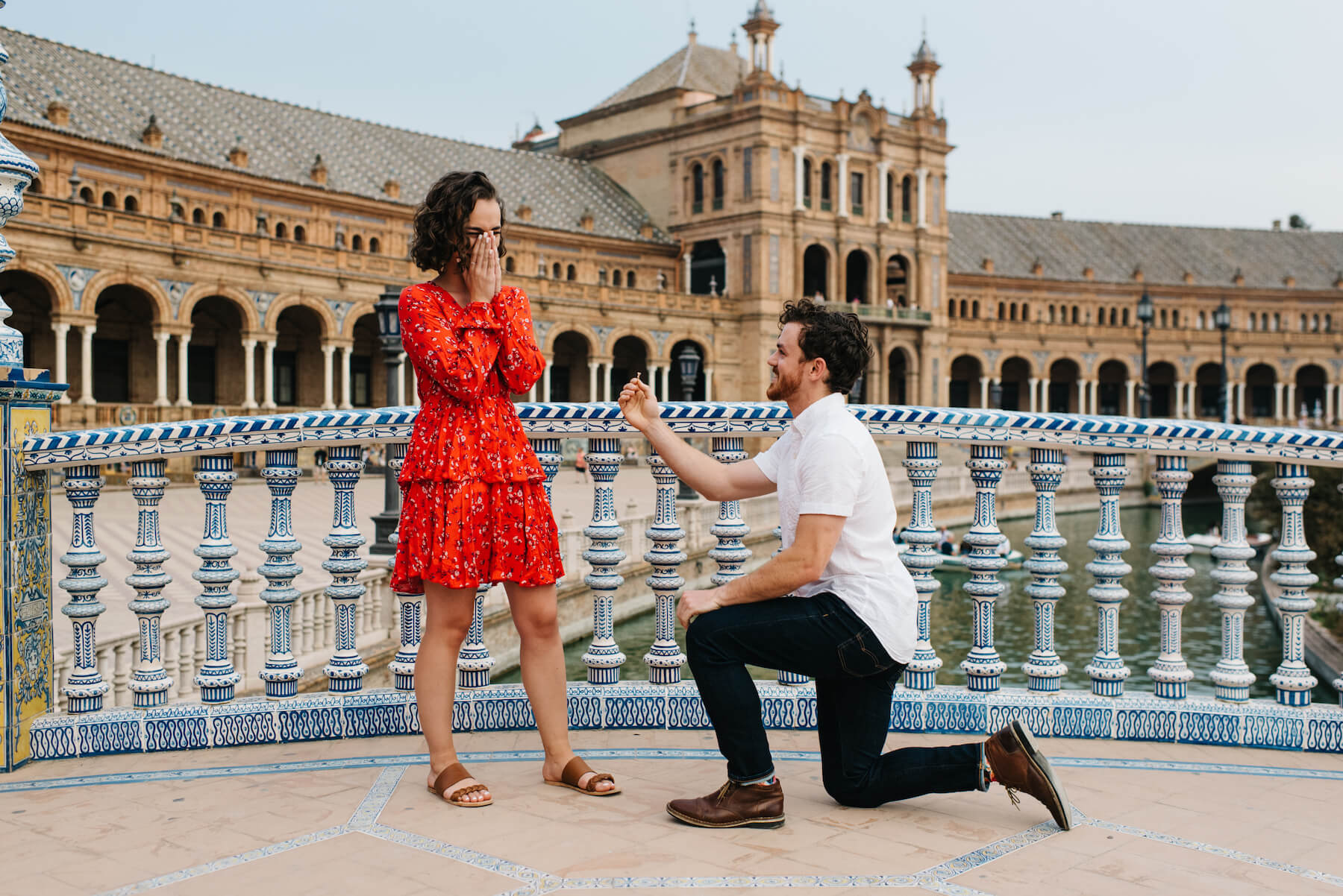 Surprise proposal in Plaza de España in Spain for Flytographer