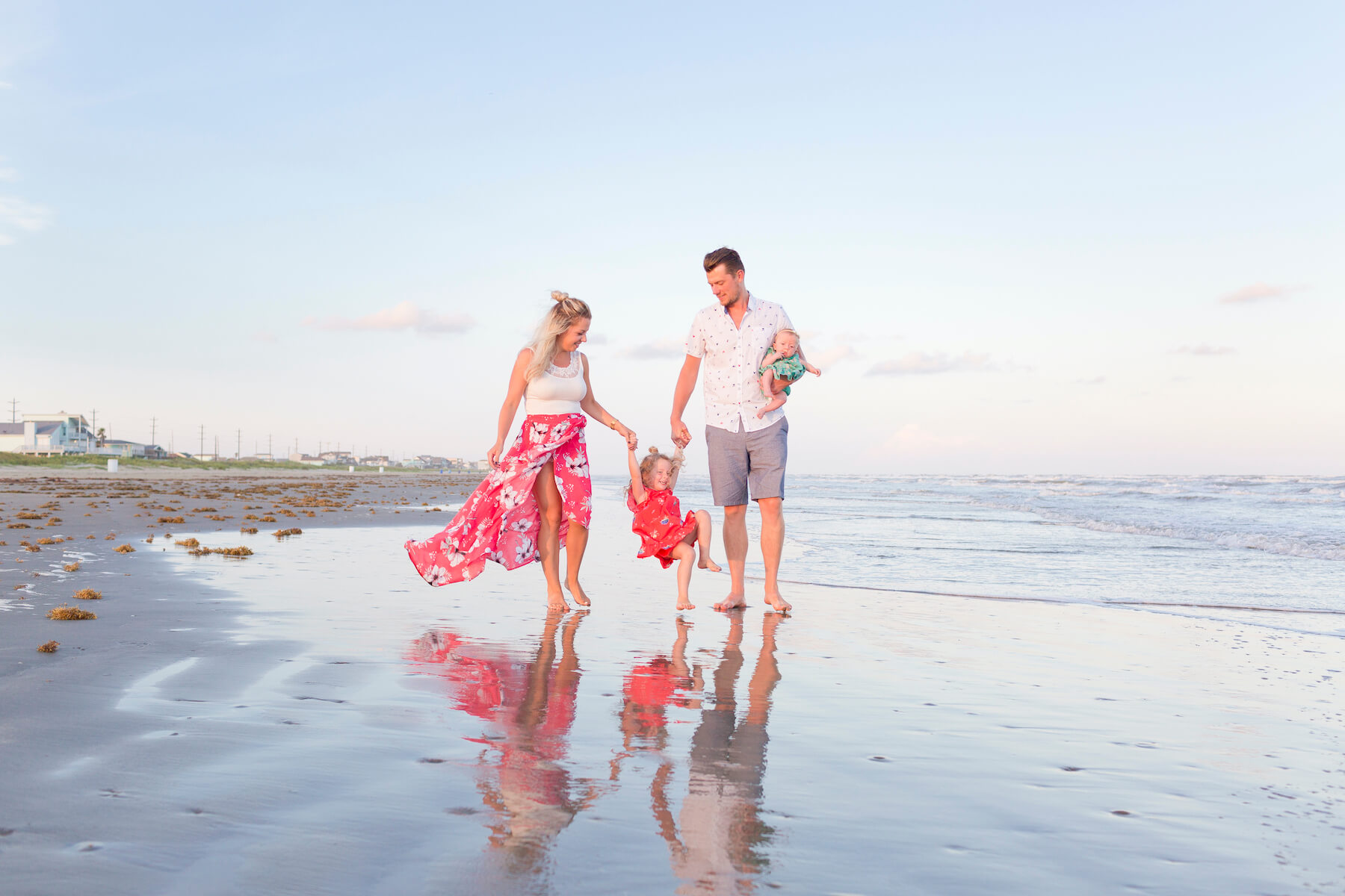 20 Tips to Have the Best Beach Photoshoot   Flytographer